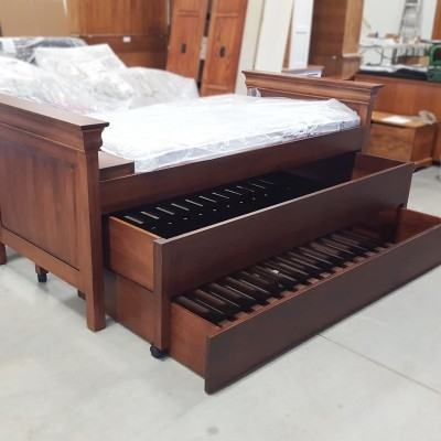 We offer Amish bedroom furniture