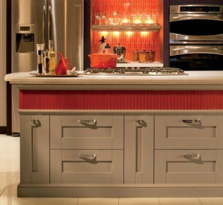 Feeling bored with how your kitchen looks like? Having some two tone  kitchen cabinet ideas might inspire you