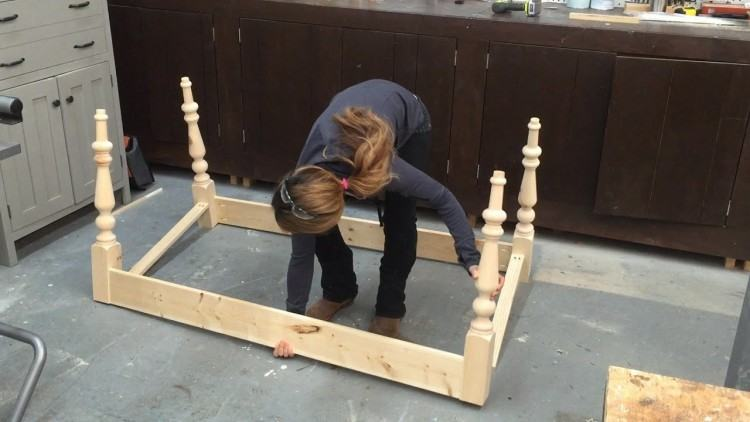 how to add legs to a  table