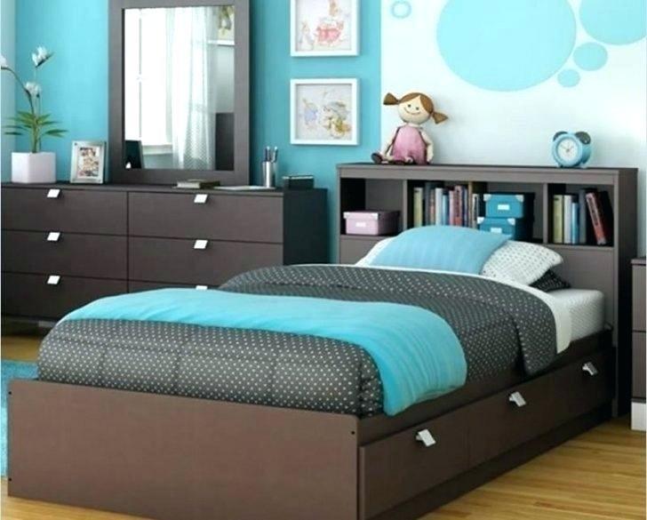 The Regitina Bedroom Set