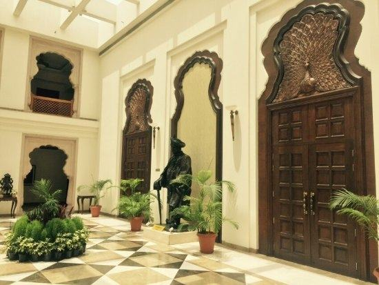 Vinay says old Maharashtrian mansions called Wada were the key inspirations  behind designing the house