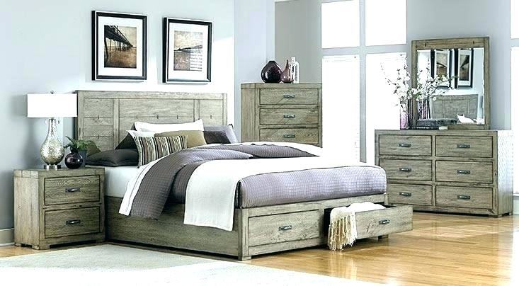 Grey Lacquer Finish Bed with Wave  Design Metal Strip Headboard