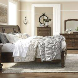 Sierra Support Queen Bed by A