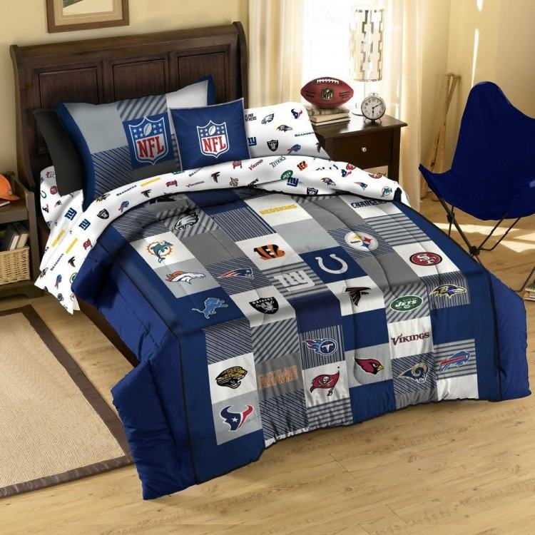 NFL Football Bedspread & Drapes 70s Bedroom Decor