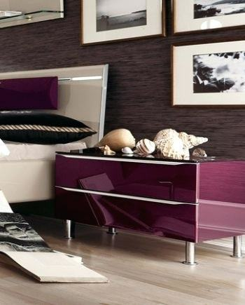 With the various models and styles of bedrooms made available by the people  at Hulsta, customers can consider the practical storage capacity of a bed,