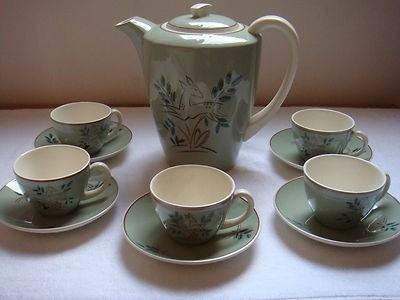 Trudiana pattern, Streamline, Twintone, teapot (c