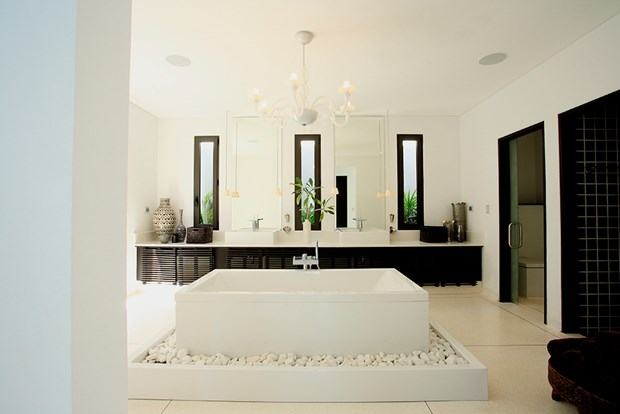 Designer bathroom makeover in relaxed  traditional style