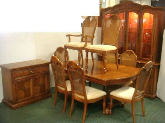 Gorgeous Vintage Thomasville Dining Room Set Table 6 Chairs China  Cabinet