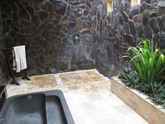 In these warm summer months we love the idea of enjoying a relaxing and  rejuvenating shower in your outdoor space