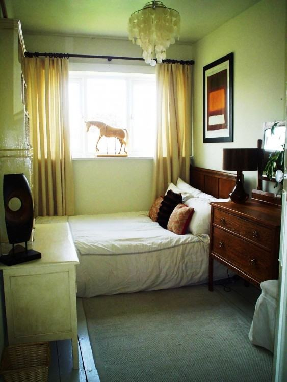 Full Size of Small Guest Bedroom Decorating Ideas And Pictures Design  Bedrooms Decor Remarkable New Firm