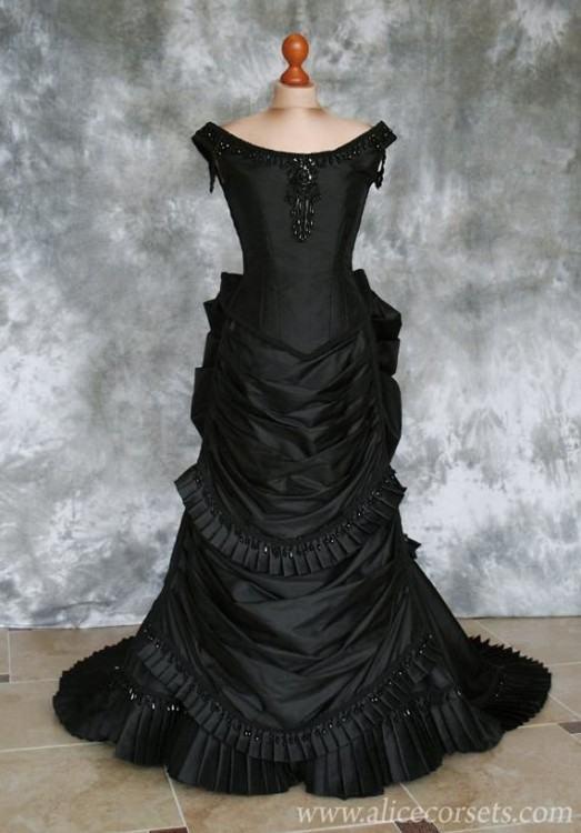 Kivary Women's White and Black Gothic Wedding Dresses Ball Gown