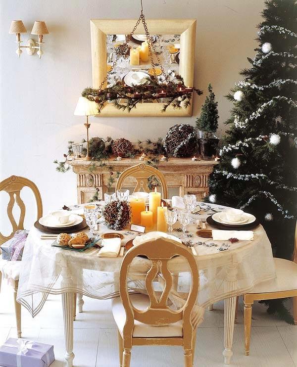 mini decorated  Christmas trees are a wonderful idea