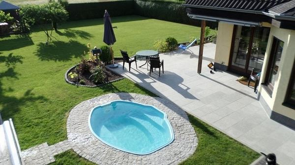 Swimming Pool Landscaping Ideas Comfortable Landscape Garden Design For A  Area Gardenista Intended 13