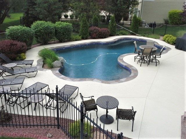 This jewel has a large wading area that is ideal for  loungers and