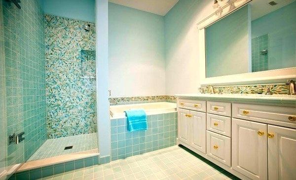 aqua bathroom decor