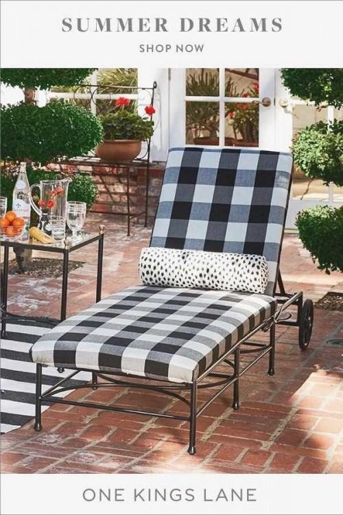 Made of wrought iron, outdoor furniture in great condition Outdoor