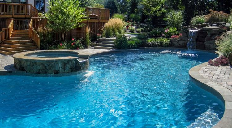 Pool Design in NJ: Salt vs