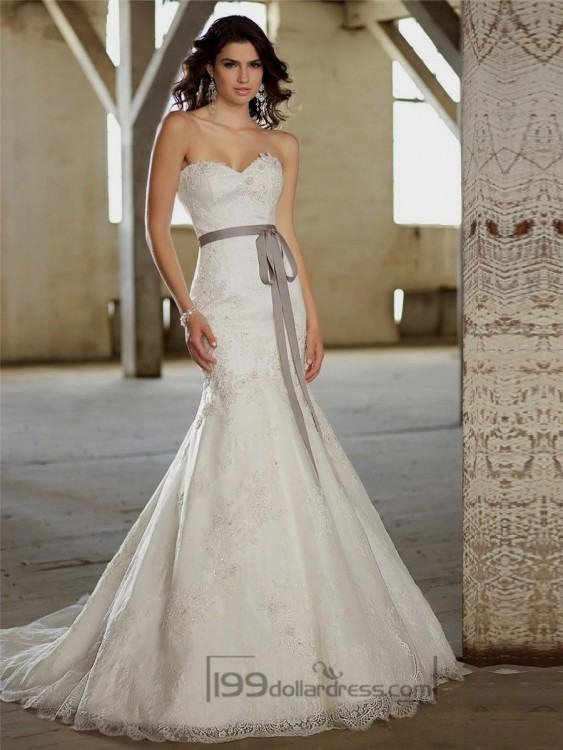Fit and Flare Beading Crystals Wedding Dress Ruffled Organza Sweetheart  Neckline