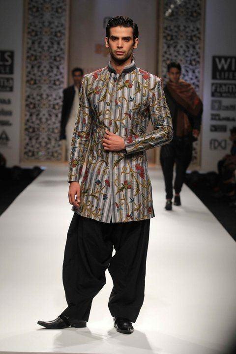 fashion kurta Ranbir Kapoor Manish Malhotra mens indian wedding kurta  short